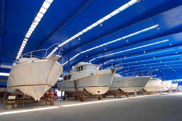 Ocean alexander more than manufacturing yachts for Alexander manufacturing company