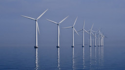Middelgrunden_wind_farm_2009-07-01_edit_filtered-PhotoByKimHansen-WikimediaCommons